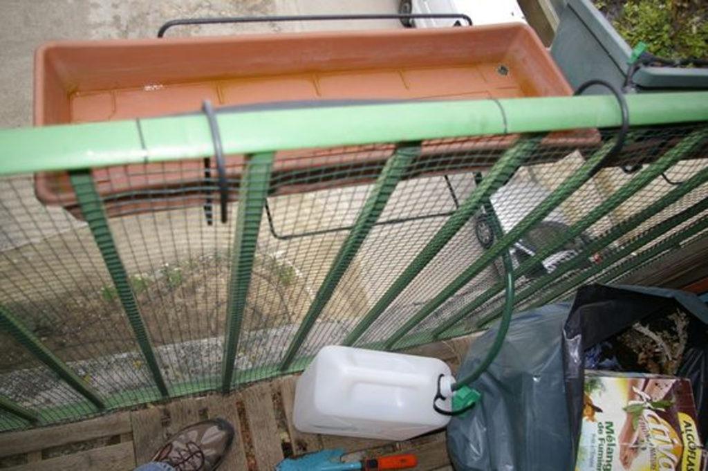 recuperation-eau-pluie-soucoupe-jardiniere